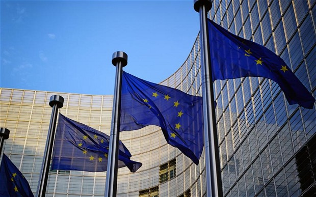 The EC and EIB have presented a plan to encourage the support of green projects by local banks